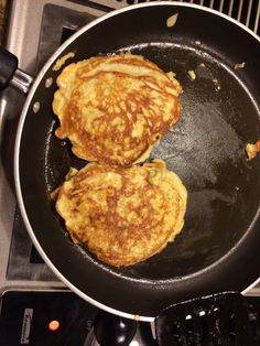 Flour less pancakes. 2 eggs and 1 banana. Mash together and voila, healthy meal. Mine made 3 pancakes!