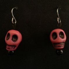 It doesnt have to be Halloween to wear skulls! Skull Earrings, Drop Earrings, Pink Skull, Skulls, Halloween, How To Wear, Jewelry, Jewlery, Bijoux