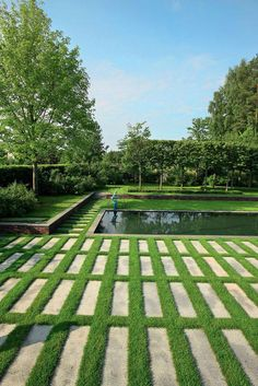 Alexander Grivko - Moscow, pool in lawn, stepping stones in lawn, row of trees, modern and clean landscape Modern Landscape Design, Landscape Plans, Modern Landscaping, Contemporary Landscape, Front Yard Landscaping, Landscape Architecture, Landscaping Ideas, Japanese Landscape, House Landscape