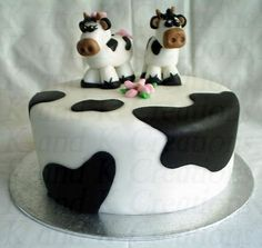 You can order a cake in the art-studio present on the bud-which your taste. The price indicated cake for 1 kg, minimum weight cake kg. The composition of the cake, you can select Cow Cakes, Cupcake Cakes, Cow Birthday Cake, Happy Birthday, Farm Cake, Peanut Butter Filling, Animal Cakes, Buffet, Candy Bouquet