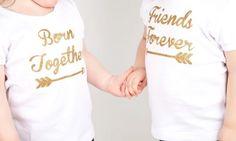 Geschenke für Zwillinge geburt-ideen-personalisierte-t-shirts-goldene-schrift