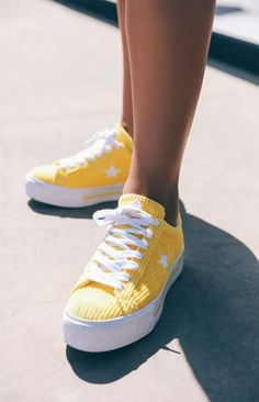 yellow shoes Converse x MadeMe Womens Yellow One Star Platform Sneakers,Converse x MadeMe Womens Yellow One Star Platform Sneakers Boots Boots have an extended length and keep people great and hot in fall and winter. Yellow Converse, Yellow Sneakers, Converse Style, Sneakers Fashion, Fashion Shoes, Women's Sneakers, Sneakers Women, Platform Sneakers Outfit, Platform Converse