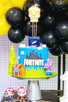 Check out this awesome Fortnite birthday party! The cake is amazing!  See more party ideas and share yours at CatchMyParty.com  #catchmyparty #partyideas #fortnite #fortniteparty #battleroyale #boybirthdayparty