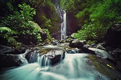 Visited one of the best Waterfall in Bali named Les Waterfall be my best experience when spend my holiday in Bali Island. This waterfall located in Les Village, Tejakula Subdistrict, Buleleng Regency. I need times about 3 hours from Kuta to reach this waterfall. The waterfall has height up to 30 meters and surrounded by amazing Balinese natural scenery. The natural condition in the waterfall made me feel like in paradise.