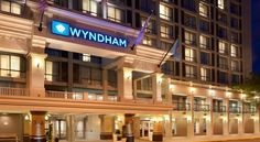 Wyndham Boston Beacon Hill Boston The Museum of Science and TD Bank Garden are located a short distance from this Boston city centre hotel, featuring completely non-smoking rooms, an on-site restaurant and many modern amenities.