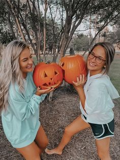 Fall Pictures, Bff Pictures, Fall Photos, Fall Pics, Fall Friends, Cute Friends, Bff Goals, Best Friend Goals, Bffs