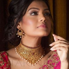 Amazing Indian jewelry on sale. We are a unique Indian jewelry store featuring exquisite jewelry pieces. Gold Bangles Design, Gold Jewellery Design, Gold Jewelry, Fashion Jewellery, Gold Fashion, Fashion Necklace, Jewelry Rings, Indian Jewelry Sets, Indian Jewellery Online