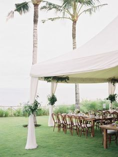 Elegant Bali wedding reception: http://www.stylemepretty.com/little-black-book-blog/2016/04/11/this-is-why-you-need-to-get-married-in-bali/ | Photography: Angga Permana - http://anggapermana.com/