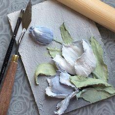 Привет всем! Вот такие сегодня у меня тюльпаны получились Скажете, голубых тюльпанов не бывает? Мне кажется, что должны быть! Вот теперь точно есть! Из штукатурки... #объемнаяживопись #скульптурнаяживопись #барельеф #картина #декоративнаяштукатурка #ручнаяработа #handmade #панно #handmade #decorativeplaster #painting #объемнаякартина #обьемныйдекор #объемныйдекор #лепнина #craft #handcraft #sculpturepainting #decor