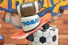 Bolo | Cake | Bolo para Festa Infantil | Bolo de Esporte | Festa Infantil | Bolo criativo | Inesquecível Festa Infantil | Bolo temático | Topo do bolo | Tema esportes