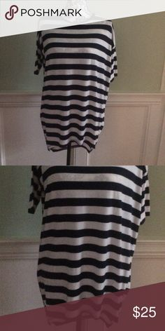 LulaRoe xxs tunic Blue and white striped tunic. EUC LuLaRoe Tops Tunics