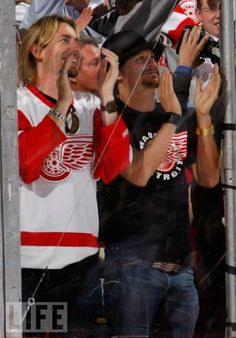 Kid Rock (notice the Detroit Red Wings shirt ...)