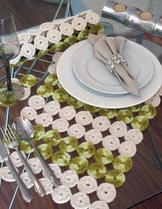24 coll placemats for elegant table settings. Placemats for table Placemats are a good and effective way to decorate and organize a dining table setup. Crochet Box, Crochet Squares, Love Crochet, Crochet Yarn, Crochet Placemats, Crochet Doilies, Crochet Designs, Crochet Patterns, Yarn Crafts
