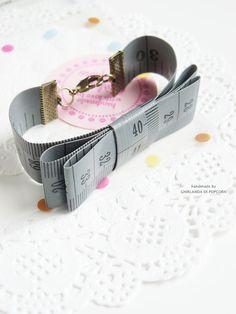 tape measure bracelet handmade by Ghirlanda di Popcorn