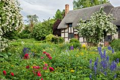 4 Beautiful Garden Design Ideas From William Shakespeare