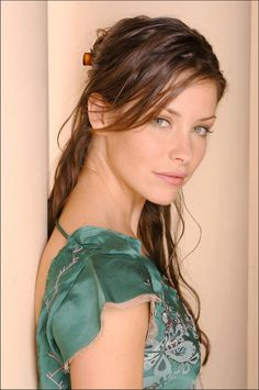 Evangeline Lilly, perhaps the most beautiful woman ever Beautiful Celebrities, Beautiful Actresses, Gorgeous Women, Beautiful People, Beautiful Women Tumblr, Nicole Evangeline Lilly, Canadian Actresses, Celebrity Beauty, Hollywood Glamour