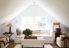 classic cottage attic living room in white Attic Living Rooms, Diy Living Room Decor, Living Room Modern, Living Room Designs, Dining Rooms, Connecticut, Family Room Design, Beach House Decor, Home Decor