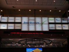 Bovespa volta aos 49 mil pontos com radar para os EUA - http://po.st/EzicP5  #Destaques - #Bolsa, #Indicadores, #Wall-Street