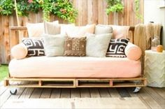 deck furniture made from pallets