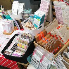 Hoy nos encontrareis en el bonito barrio de Gracia con todo lo material de la tienda  Nos encontrareis en el stand de c/ Verdi 37 hasta las 21h yujuuuu  muchas gracias a las que habéis ido viendo y hacer vuestras compritas ❤️ #artcreatiu . . . #artcreatiushop #scrap #scrabook #scrapbooking #art #firadegracia #loveday #craft #blokum #lorabailora #lawnfawn #dunaon #amelieprager