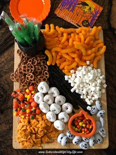 Fete Halloween, Halloween Dinner, Halloween Goodies, Halloween Desserts, Halloween Food For Party, Halloween Birthday, Halloween Candy, Halloween Kids, Holiday Snacks
