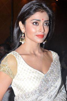 Shriya Saran #Kollywood #Tollywood #Bollywood #Fashion