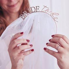 bride-hairband-veil