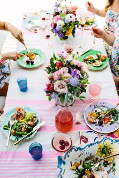 Bachelorette Brunch, romantic summer table setting