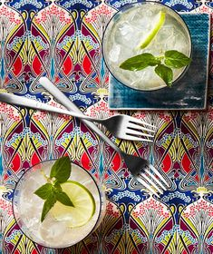 8 Delicious Mother's Day Dinner Recipes | Dazzle party guests with this big batch cocktail that's topped off with a sparkly splash. The cocktail only has six ingredients but is totally tasty. Floral, tart champagne pairs delightfully with lime, mint, and lemon, and the gin adds a piney juniper punch. #mothersdayrecipes #realsimple #mothersdayideas #giftideas Rose Cocktail, Cocktail Mix, Champagne Cocktail, Sparkling Wine, Chambord Cocktails, Champagne Punch Recipes, Mothers Day Dinner, Mint Simple Syrup, Gin Lemon