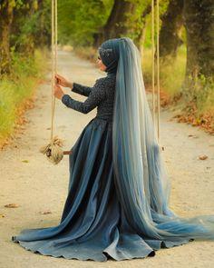 Muslim Wedding Dresses, Muslim Brides, Bridal Dresses, Wedding Couple Poses Photography, Wedding Poses, Muslim Fashion, Hijab Fashion, Hijab Dress Party, Quinceanera Photography