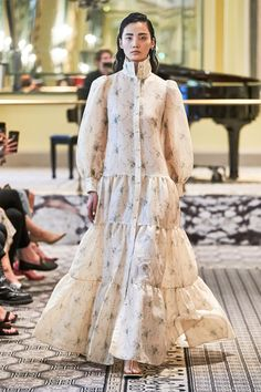 Brock Collection Spring 2020 Ready-to-Wear Fashion Show Collection: See the complete Brock Collection Spring 2020 Ready-to-Wear collection. Look 7 Fashion Show Collection, Couture Collection, Spring Collection, Mein Style, Mannequins, Fashion 2020, Ready To Wear, How To Wear, Fashion Design