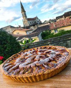 French Fridays: Plum and almond cream tart Plum Tart, Tart Shells, Tart Pan, Almond Cream, Shortcrust Pastry, Stone Fruit, Sweet Tarts, Almond Recipes, Cobbler