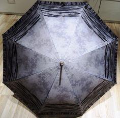 Grauer Regenschirm erhältlich bei Kirsches Taschen und mehr...! www.kirsches.at Fashion, Gifts For Ladies, Umbrellas, Gray, Dime Bags, Moda, La Mode, Fasion, Fashion Models