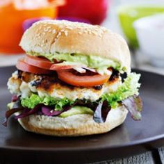 redaktør Salmon Burgers, Grilling, Chicken, Ethnic Recipes, Food, Cooking, Aluminium Foil, Kitchen, Salmon Patties