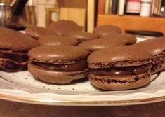 Francia csokoládés macaron Sweet Cookies, No Bake Cookies, Meringue, Hungarian Recipes, Sweets Cake, Pavlova, Winter Food, Amazing Cakes, Nutella