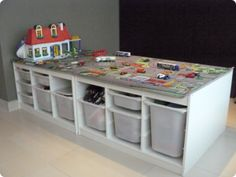 Make children with these gaming tables EXTREMELY proud, 13 great .- Mache Kinder mit diesen Spieltischen EXTREM stolz, 13 tolle und günstige DIY-Id… Make kids EXTREMELY proud with these gaming tables, 13 great and cheap DIY ideas! Car Table, Lego Table, Train Table, Trofast Ikea, Playroom Storage, Lego Storage, Ikea Storage, Lego Room, Toy Rooms