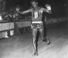 Abebe Bikila was an Ethiopian double Olympic marathon champion. He is most famous for winning a marathon gold medal at the 1960 Summer Olympics in Rome while running barefoot. In doing so, he also set the new world marathon record. Wow Facts, Wtf Fun Facts, Funny Facts, Random Facts, Silly Facts, Creepy Facts, Did You Know Facts, Things To Know, Olympic Runners