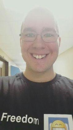 2e année 7e semaine 22e jour à fierbourg dep soutien informatique =D Freedom, Equality, Fraternity, Strength, Love & Fun!!! =D Christopher Gagnon The Crazyfreegeek New black t shirt =D