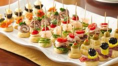 """Mini Appetizers~ the secret to simple holiday appetizers """"on a stick"""" that are sure to impress any crowd. Mini Appetizers, Holiday Appetizers, Appetizer Recipes, Appetizer Ideas, Appetizer Display, Simple Appetizers, Toothpick Appetizers, Healthy Appetizers, Mini Aperitivos"""