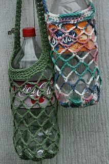 Marvelous Crochet A Shell Stitch Purse Bag Ideas. Wonderful Crochet A Shell Stitch Purse Bag Ideas. Crochet Gifts, Diy Crochet, Crochet Phone Cases, Crochet Mobile, Diy Sac, Crochet Shell Stitch, Bottle Bag, Crochet Purses, Bottle Holders