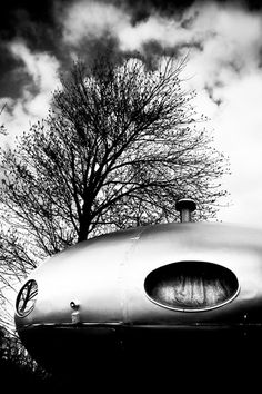 UFO House in Covington, KY  The Futuro House was a short-lived fad during the late 1960s and early 1970s. Okay, maybe it wasn't even a fad, because they only ever built 96 of these things. Of the 96 Futuro houses originally sold, Wikipedia estimates only 60% still exist. We're fortunate to have one of them still intact in Kentucky, on Wright Street in Covington.