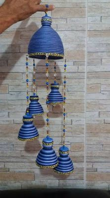 Learn how to make wind chimes with recycled bottles - Learn how to make wind chimes with recycled bottles ~ cositasconmesh - Water Bottle Crafts, Plastic Bottle Flowers, Plastic Bottle Crafts, Diy Bottle, Plastic Bottles, Water Bottles, Bottle Candles, Diy Crafts Hacks, Diy Home Crafts