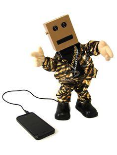 Lautsprecher tanzender Roboter Smartphone-Gadget bunt. Aus der Kategorie Gadgets Geschenke Shop / Smartphone und iPhone. Das perfekte Geschenk für alle Musikliebhaber und Fans des Robot-Dance! Der verrückte Roboter fühlt den Funk und spielt nicht nur als Lautsprecher Musik von Smartphones und MP3-Playern ab, sondern bewegt sich auch noch tanzend zur Musik!