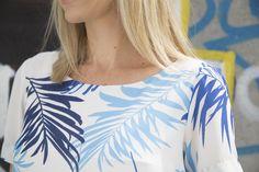 Look conjunto estampado - AMISSIMA Verão 2016 - Blusa alfaiataria estampada com pantalona da mesma estampa folhagens azuis