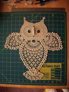 Pattern for vintage crochet owl diagram added a tail to my design, and this pattern is a mind-twister to crochet! Owl Crochet Patterns, Crochet Owls, Crochet Doily Patterns, Owl Patterns, Crochet Art, Crochet Home, Thread Crochet, Love Crochet, Filet Crochet