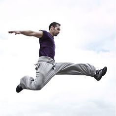 Châu, practicing parkour with the 2WS Big Ben pant #sport