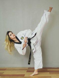 Self Defense Martial Arts, Martial Arts Women, Batman Poster, Mary Jane Watson, Karate Girl, Taekwondo, Jiu Jitsu, Art Women, Exercise
