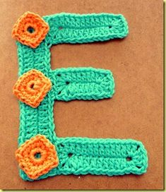 I wanna make a C for Chloey Crochet Motif Patterns, Crochet Stitches, Crochet Hooks, Knit Crochet, Crochet Appliques, Crochet Alphabet, Crochet Letters, Crochet Crafts, Crochet Projects