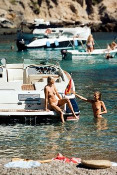 "Faithfull ""The Holiday"" — Cameron Hammond Hammond La, Cameron Hammond, Woman Beach, Beach Babe, Beach Shoot, Vogue Paris, Seychelles, Ibiza, Playboy"