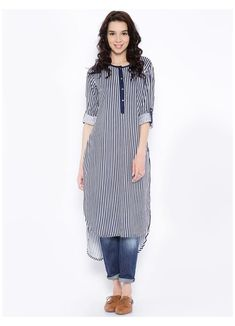 Simple Kurti Designs, Kurta Designs Women, Kurti Neck Designs, Kurti Designs Party Wear, Salwar Designs, Blouse Designs, Look Fashion, Fashion Outfits, Kurta Style